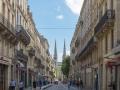 Rue Vital Carles mit Kathedrale