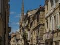 Straßenschlucht mit Saint Michel Turm