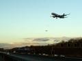 Flughafen landende Flugzeuge