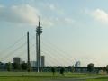 Rheinkniebrücke und Rheinturm